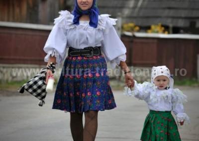 Costas_Dumitrescu - In drum spre biserica