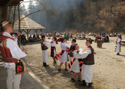 Felician_Sateanu - Spectacol pe Valea Vaserului - Viseu de Sus