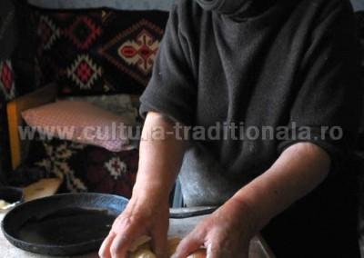 Felician_Sateanu_-_Pregatirea_pastii_-_Botiza
