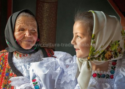 Ionel_Onofras - Bunica si nepoata - Borsa