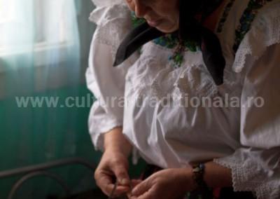 Ionela_Natalia_Kovacs - Ionela_Natalia_Kovacs - Facutul zgardaneleor - Petrova