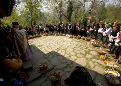 Radu_Oltean - Sfintirea pastilor - Desesti