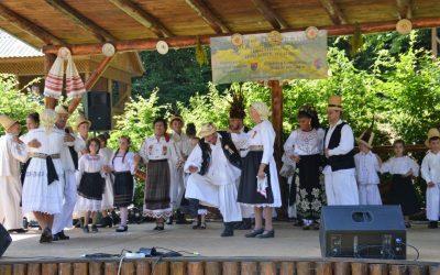 """Festivalul național de folclor """"Târgul Sânzâienelor"""""""